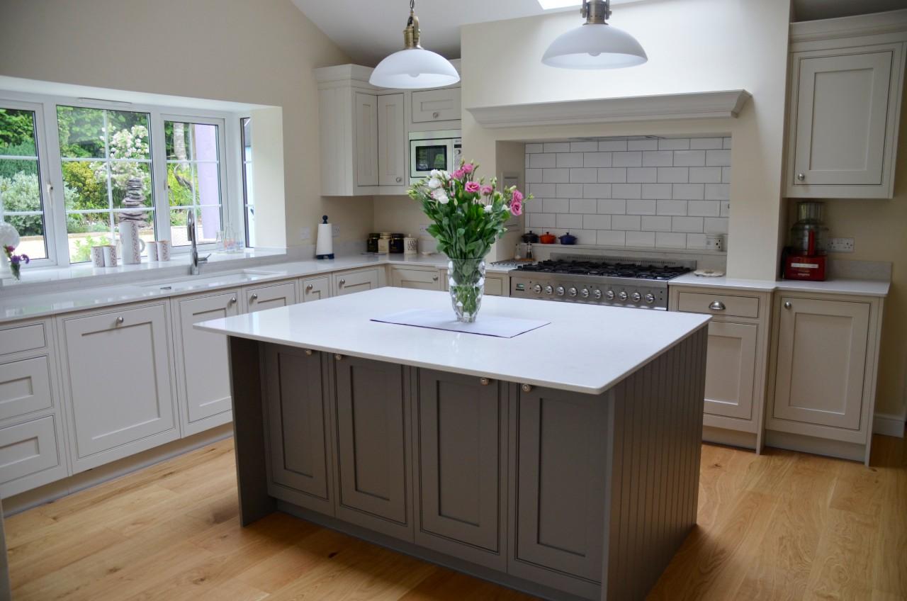 Kitchen with centre island new.jpg